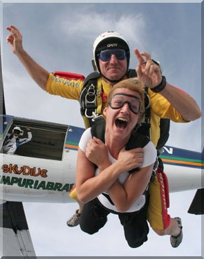 Skydiving Tandem just jumped
